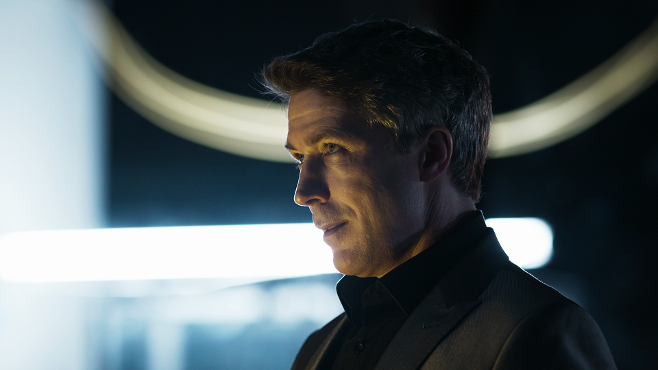 A still image of the live-show in Quantum Break. Game of Thrones' Aidan Gillen plays the role of Paul Serene in Quantum Break.